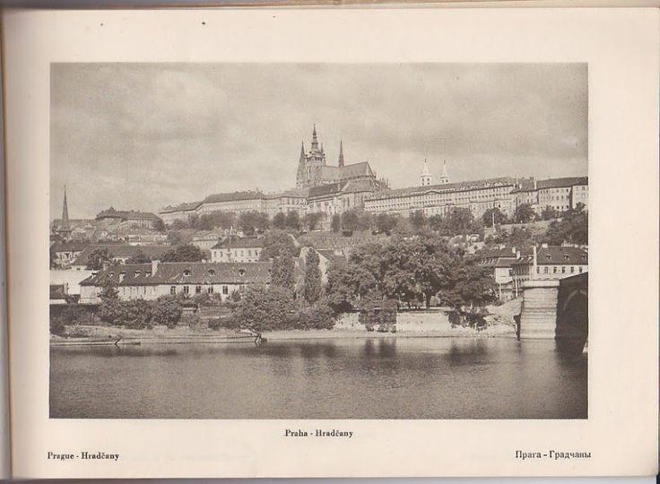 """Praha Neznámá on Twitter: """"Hradčany ve 30. letech. Foto zaslal: Tomáš Horváth https://t.co/YmgSwrRzDM"""""""