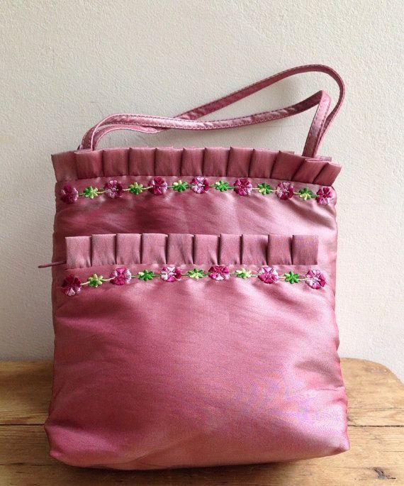 £7.95 Vintage St Michael Sponge Bag, Matching Vanity Cosmetics Bag Pink Satin Embroidered Flowers Frilled Top Never Used Excellent Marks Spencer
