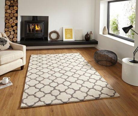 A szőnyeg kézzel készült. A szőnyeg használható padlófűtéses felületeken.