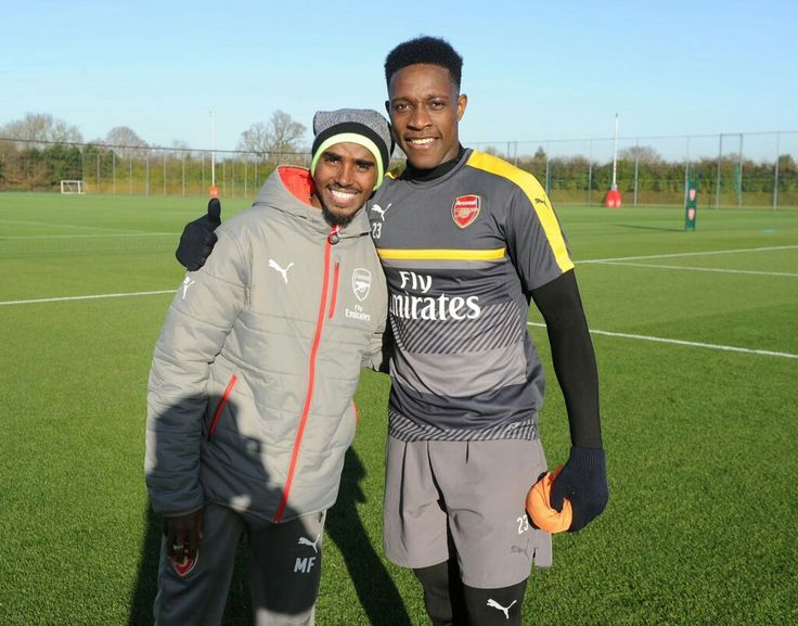Photo: Olympic gold medalist Mo Farah with Danny Welbeck at London Colney ⚡