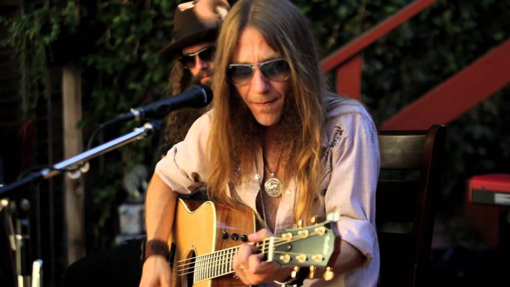 BLACKBERRY SMOKE   One Horse Town - In The Backyard Sessions