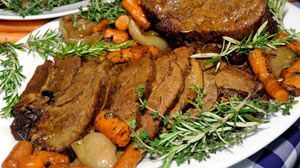 the perfect pot roast - The Pioneer Woman recommended by kelly
