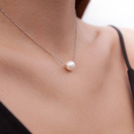 Back Necklace Pearl Backdrop Necklace Pearl Y by AntEvaCrafts