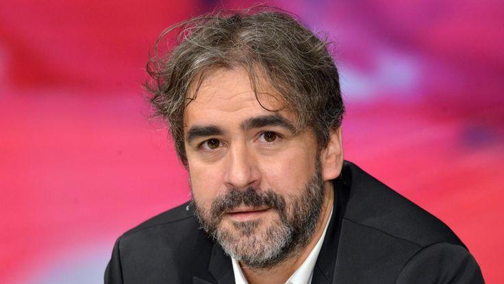 """""""Welt""""-Korrespondent Deniz Yücel muss in Untersuchungshaft. Ihm wird Propaganda für eine terroristische Vereinigung und Aufwiegelung der Bevölkerung vorgeworfen. Ein Rückblick auf die Ereignisse."""