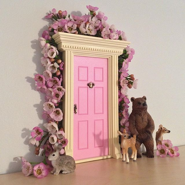 25 best ideas about lil fairy door on pinterest girls for Tooth fairy door ideas