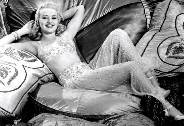 Top 10 Pinup Girl Pictures - Betty Grable: Pan Alley, Tins Pan, Betty Grabl, Pinup Girls, Classic Hollywood, Vintage Beautiful, Photo, 1940, Pin Up Girls