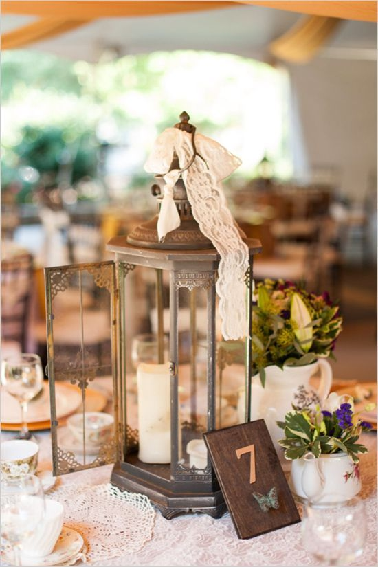 Vintage and shabby table decor and table number