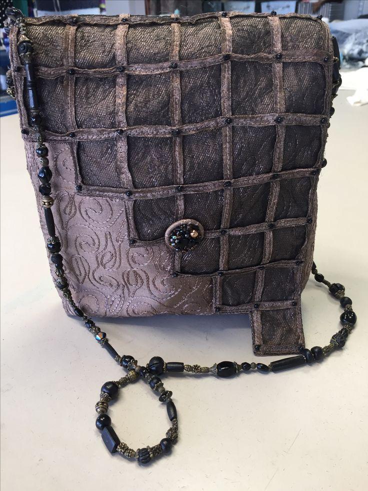 Handbag dupion silk and lace. reliefbyjunker.dk