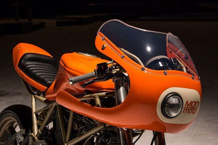 Orange power! Ducati 750SS #CafeRacer by MOD moto. Extra de vitamina C y energía con esta #Ducati, que mezcla la deportividad de los 90 con el estilo de los 70 | caferacerpasion.com
