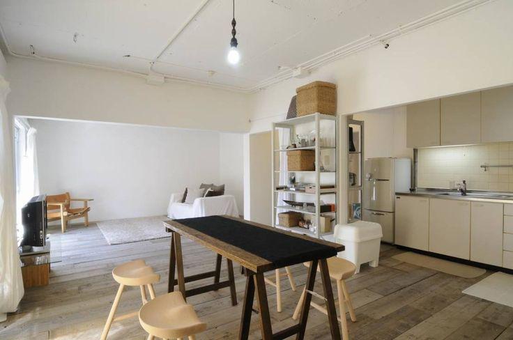 二人暮らしには、最適な2DK。2DKレイアウトは、家具の配置やレイアウトを工夫するだけで、広くて快適な住まいに変わります。