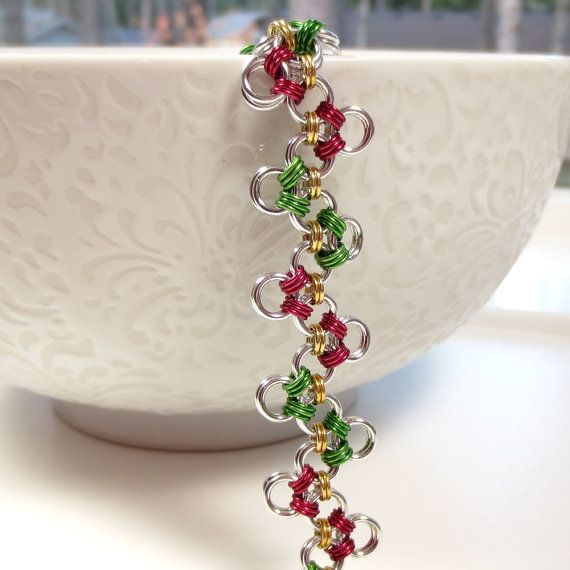 Red, Green and Gold Zig Zag Chain Mail Bracelet, Christmas Jewelry, Holiday Jewelry, Chainmaille Jewelry on Etsy, $49.21 CAD