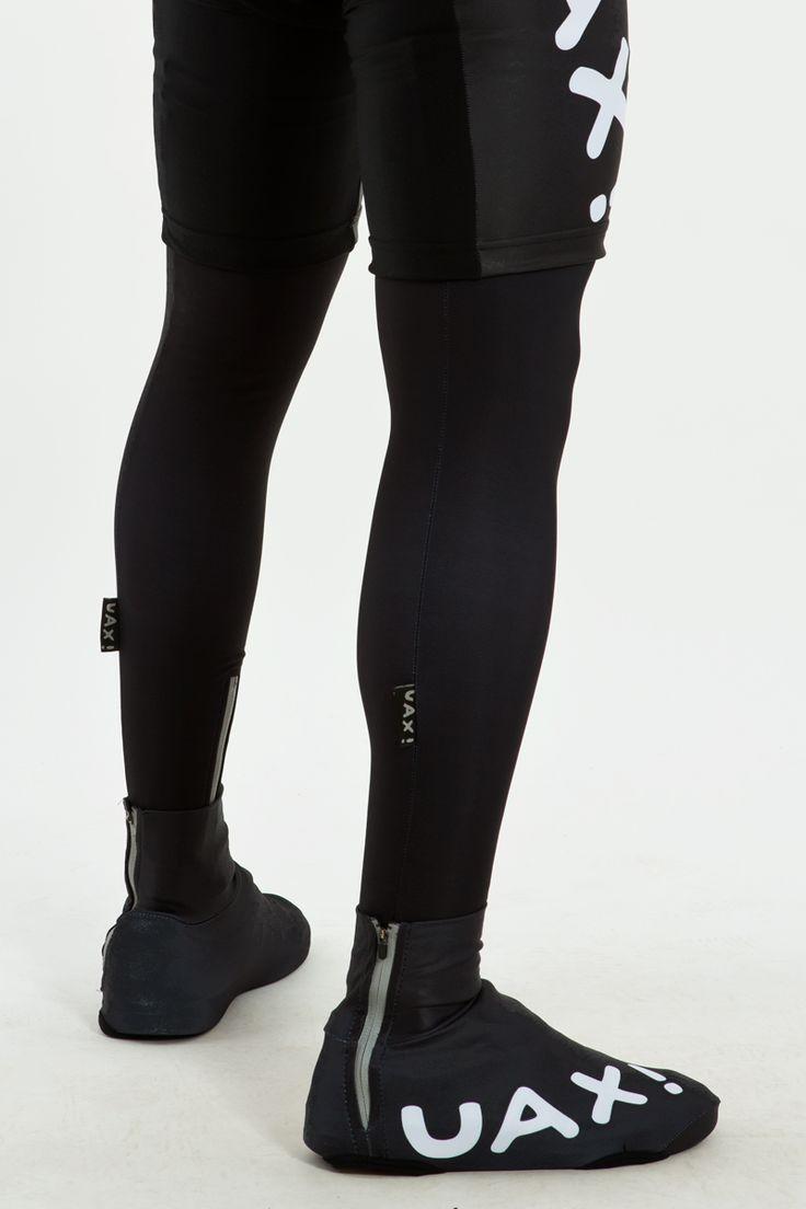 Lehké cyklo návleky na tretry chrání vaše boty před prachem a nečistotami. Jednoduchou manipulaci umožňuje praktický boční zip.
