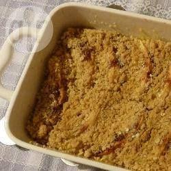 Appel crumble met havermout @ allrecipes.nl  met half appels, half rabarber is het ook heerlijk. Eventueel met vanillevla of met vanille-ijs!
