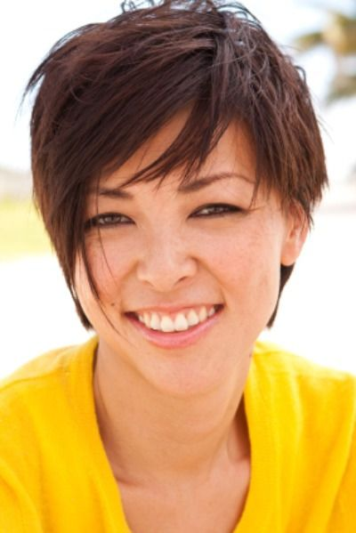 Short Messy Layers - Quick and easy to maintain a short cut with messy and choppy layering.