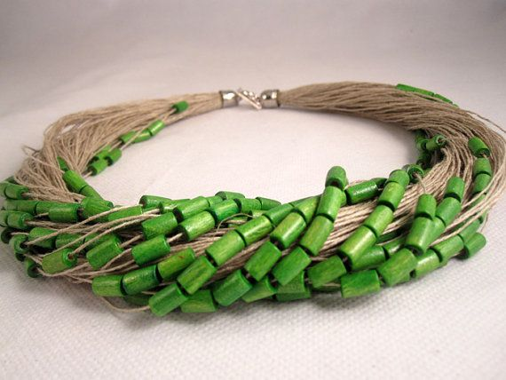 Necklace green linen thread purple red purple wood by espurna88, €19.99