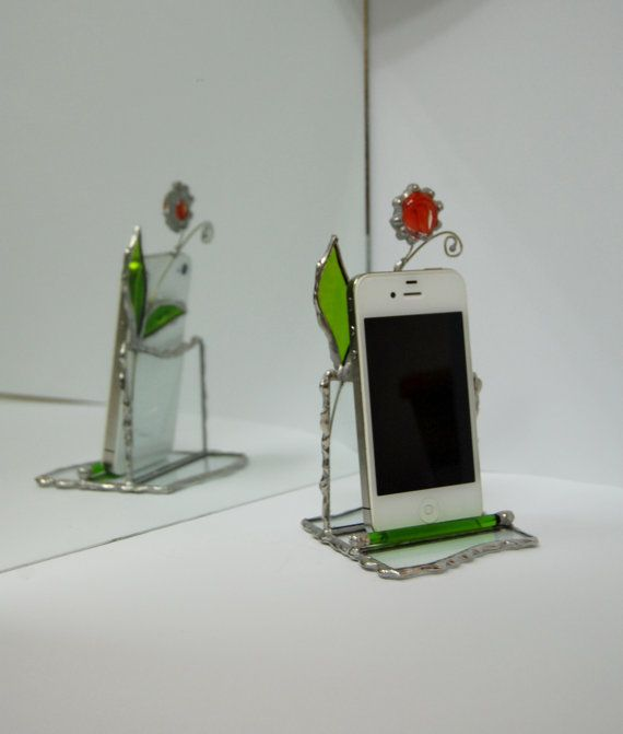 What a lovely idea, may have to do myself one of these!  Stained Glass Mobile Phone Stand