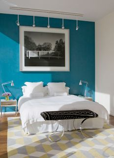 turquoise accent wall | love this turquoise accent wall!