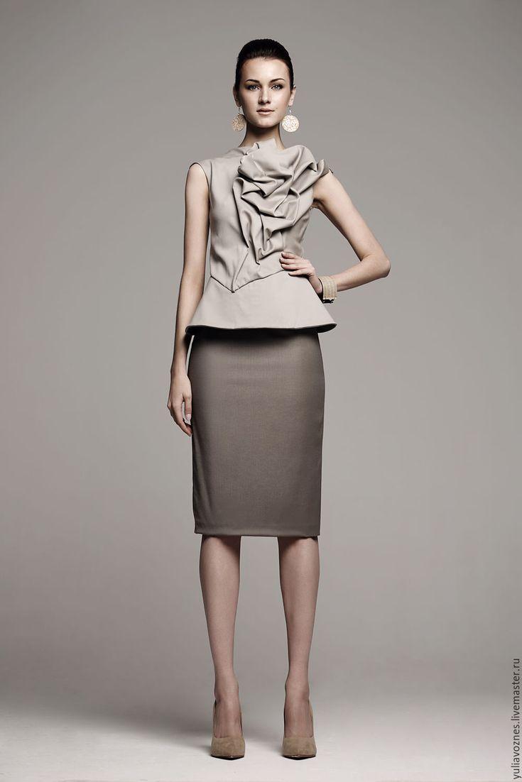 Puckered top / Купить топ с баской и юбка карандаш - оливковый, шерсть, шерсть 100%, топ, баска, юбка