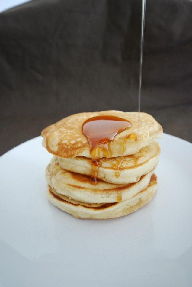 Amerikanska pannkakor är en underbart god variant på klassiska pannkakor. Servera gärna pannkakorna tillsammans med lönnsirap eller blåbärssylt, mums!