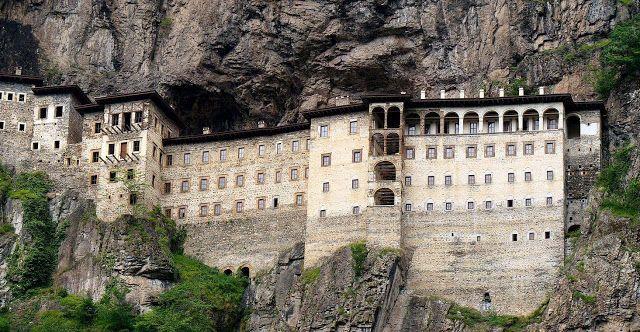 e-Pontos.gr: Κλείνει το μοναστήρι της Παναγίας Σουμελά στον Πόν...
