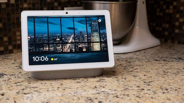 Google Nest Hub Max Review Bigger Screen Better Sound And A Camera Google Nest Digital Photo Frame Big Screen