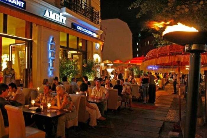 Der Außenbereich des indischen Restaurants Amrit