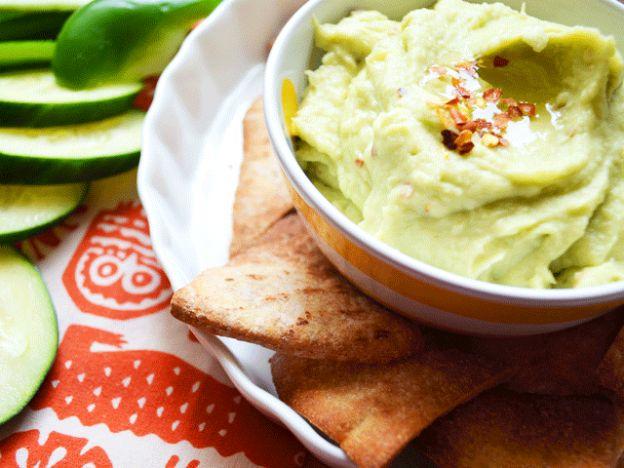 White Bean Avocado Dip with DIY Pita Chips | Dont Panic, Mom!