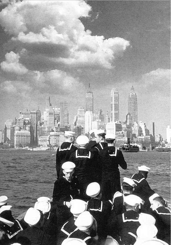 1941 Sailors bound for Manhattan, The New York Times Photo Archives