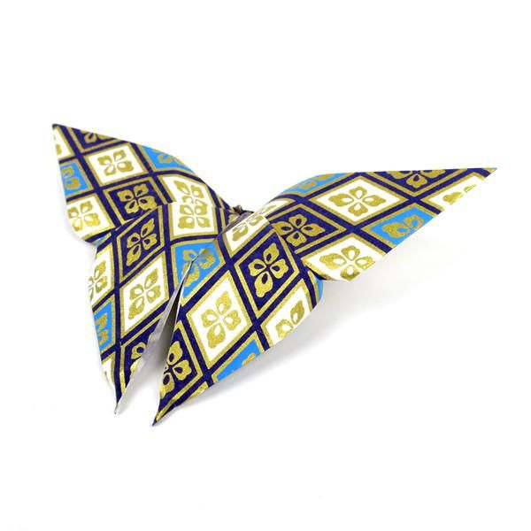 These beautifulbutterflies are not only nice to look at. It is also nice to stick onyour surroundings. - Handmade - Made of washi origami paper - Double sided #origami #butterfly