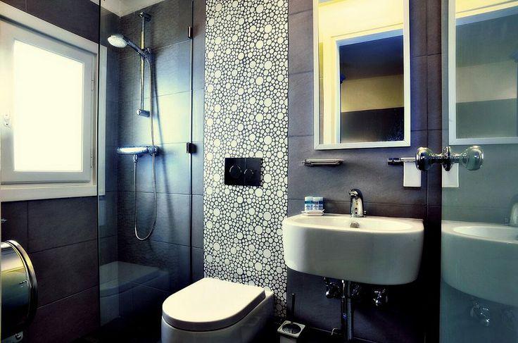 Esperance 1 Rooms, # Ermoupoli #Syros #Cyclades http://www.rooms-2-let.com/3019/Esperance_1_