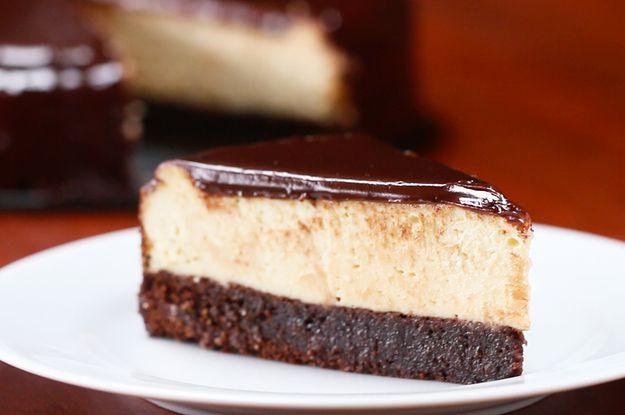 Chocolate Fudge Brownie Cheesecake recipe https://www.buzzfeed.com/alixtraeger/chocolate-fudge-brownie-cheesecake?bffbtasty&ref=bffbtasty&utm_term=.hevndzqRz#.gjNzkXP8X