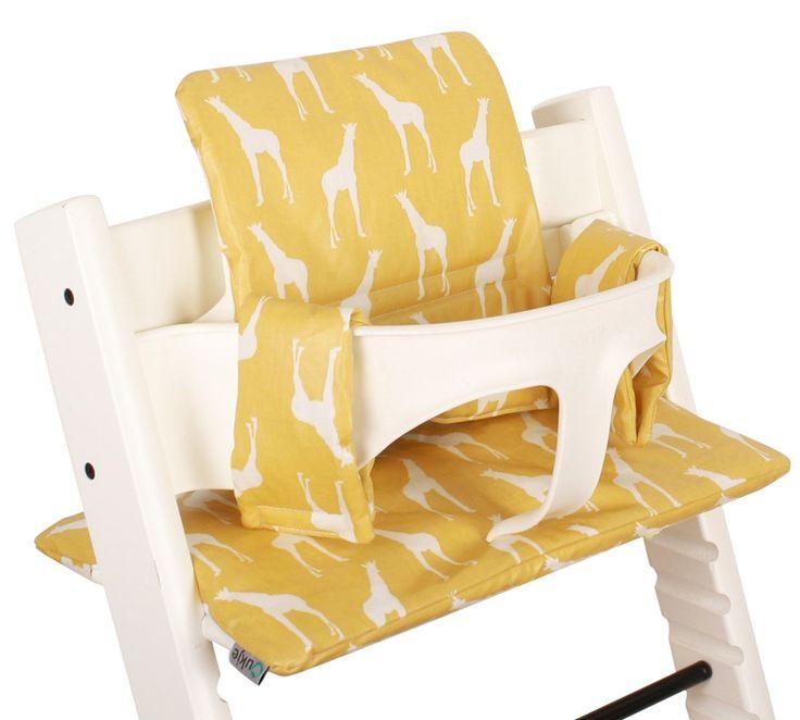 Tripp Trapp kussenset, geel met giraffes.Neem voor de nieuwe collectie kussensets een kijkje op www.ukje.nl #Ukje #TrippTrapp #kussenset #Stokke