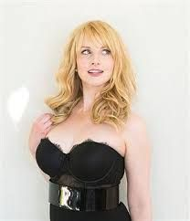 Image result for melissa rauch hot