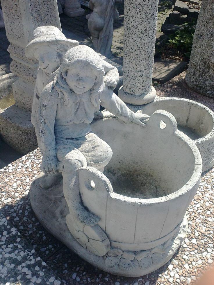 Statua cemento e polvere di marmo con vaso