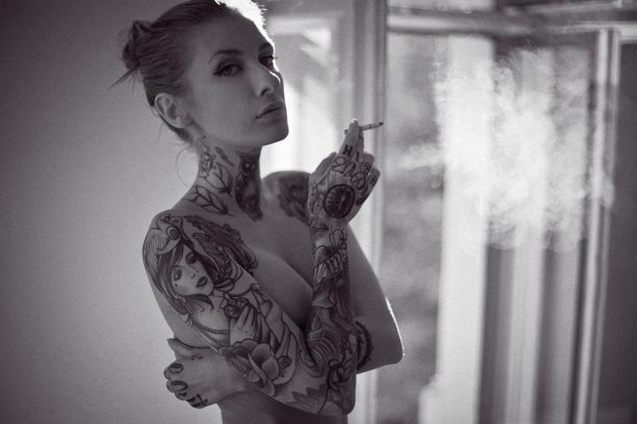 Tattoo #inked - Valentina Belleza: Smoke Tattoo, Female Tattoo, White Tattoo, Style Tattoo, Tattoo Inspiration, Neck Tattoo, Tattoo Artists, Body Art, Valentina Belleza