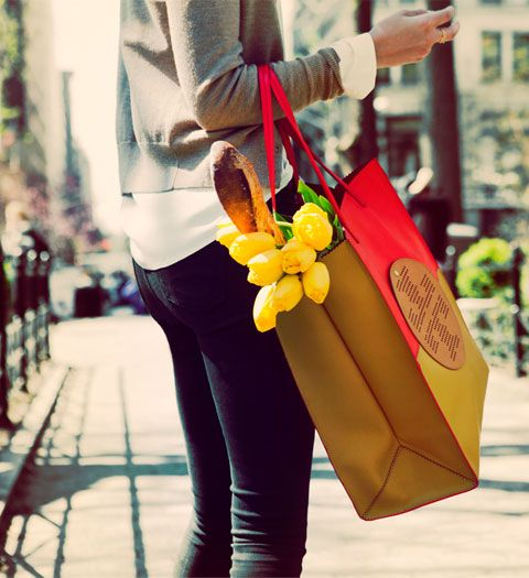 I had to pin this bc I HAVE this bag and love it! Also, I love ALL things Tory Burch
