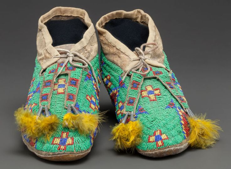 249 best ideas about beaded moccasins on pinterest for Native arts and crafts