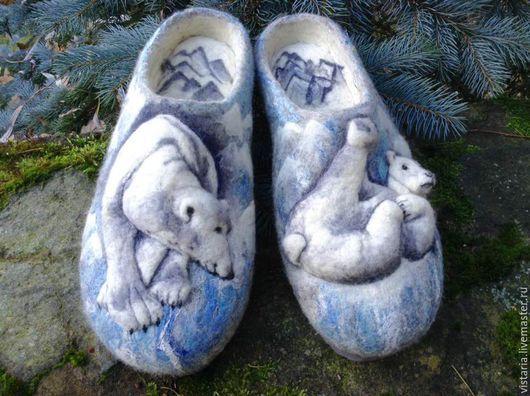 Обувь ручной работы. Ярмарка Мастеров - ручная работа. Купить Тапочки подарочные «Белые медведи» 31см.. Handmade. Серый