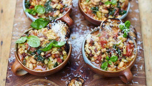 Herzhafte Minestrone / Jamie Oliver Homecooker