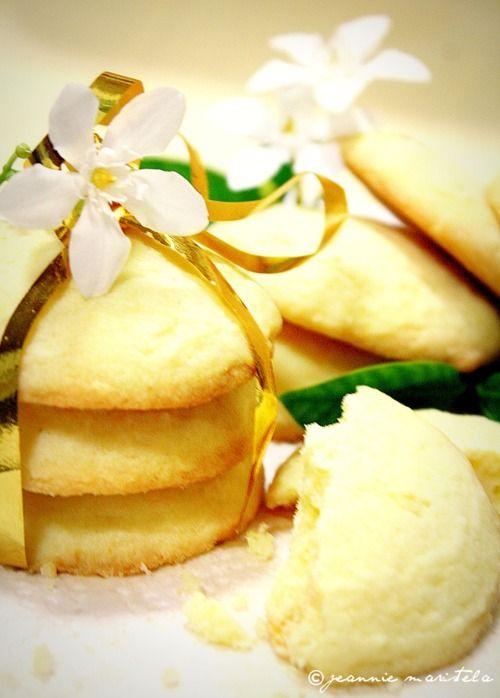 lemon butter cookies: Lemon Butter, Recipe, Butter Cookies, Cups Of Teas, Buttery Cookies, Wire Racks, Summer Sweet, Lemon Butts Cookies, Lemon Cookies