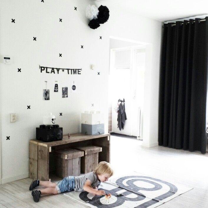 Speelplek voor de kinderen in de woonkamer