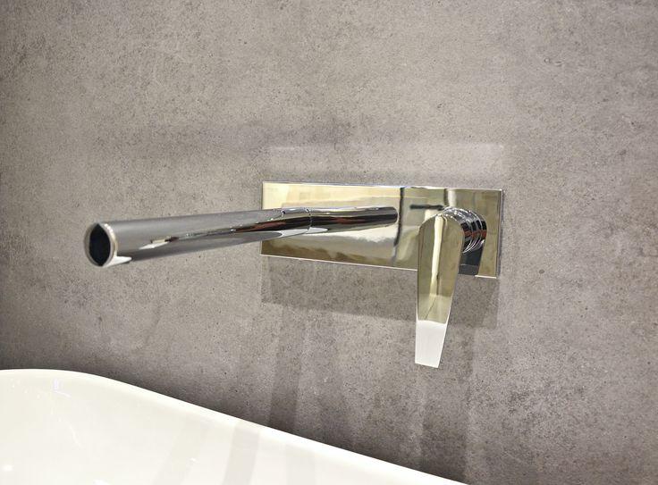 #viverto #InspiracjeViverto #łazienka #bathroom #beautiful #perfect #pomysł #design #idea #nice #cool #inspiration #szarość #szary #grey #nowoczesność #nowocześnie #minimalizm #minimalistic #płytki #tiles #grzejnik #industrializm #industrialnie  #toaleta #ceramika #umywalka #armatura #baterie #bateria #wow #moda #trend