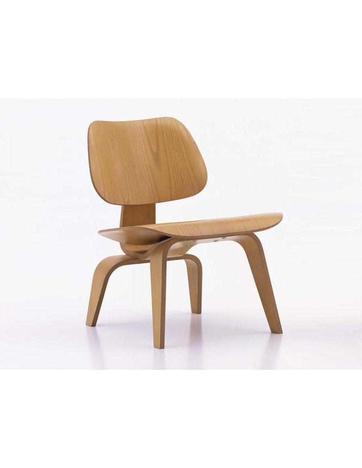 Vitra LCW fauteuil  De Vitra LCW is wederom een heel iconisch ontwerp van het duo Charles en Ray Eames. LCW staat voor Lounge Chair Wood, een naam die zich natuurlijk laat raden na het zien van de foto's van de fauteuil. De Vitra LCW is vervaardigd uit essen hout en is leverbaar in drie kleuren: naturel, rood en zwart. Daarnaast is er ook een variant leverbaar met leren bekleding. De fauteuil is vervaardigd uit verschillende platen essenhout.