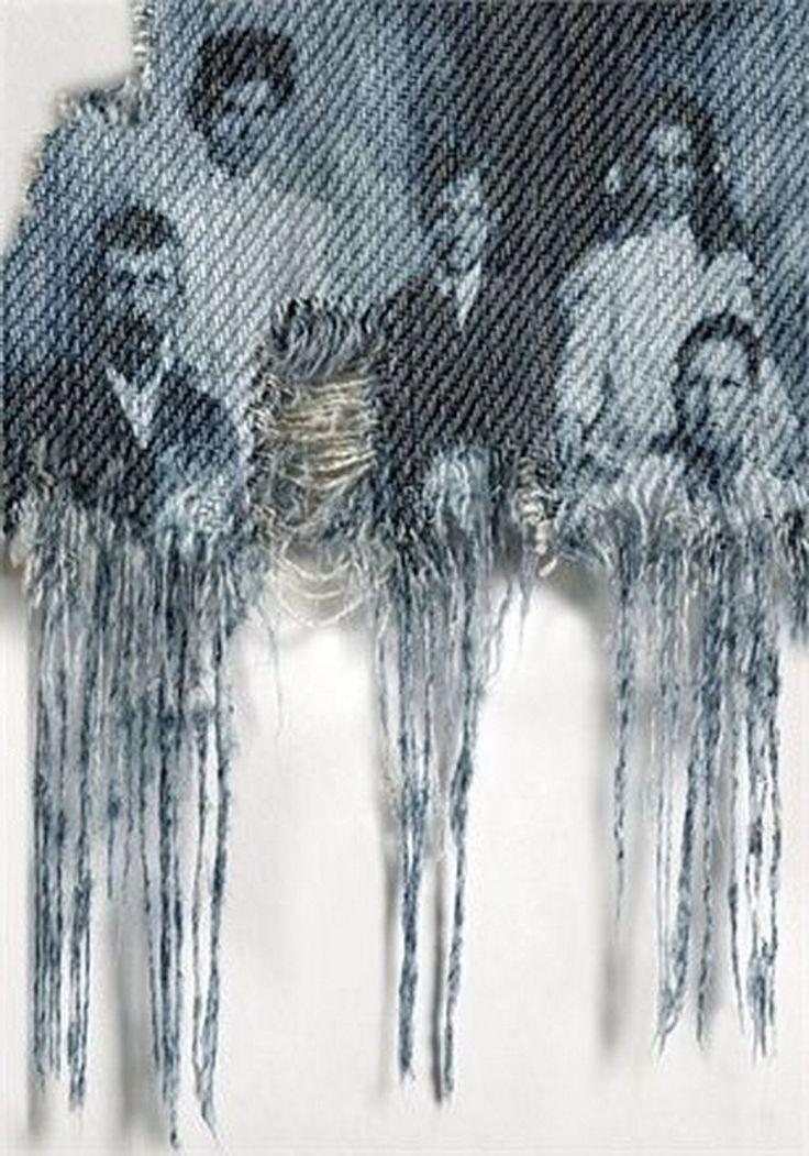 Деним — это бесконечность творческих экспериментов, словно синее и глубокое море? до поры до времени скрывающtе свои сокровища и потенциал. Стоит ли повторять историю появления джинсов и изделий из ткани деним в этой публикации? Думаю нет, ведь они существуют на этой планете с середины 19 века, про джинсы написаны тысячи статей и мир моды не скрывает историю появления и ткани, и изделий из нее.…