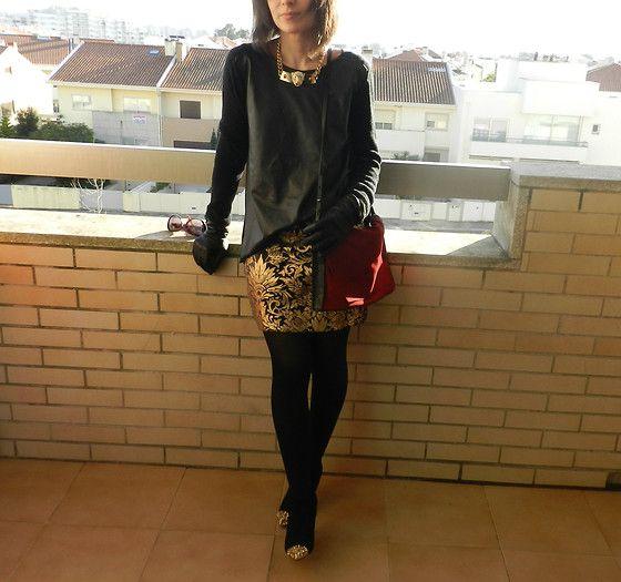 Gold Barroque... (by Helena Branquinho) http://lookbook.nu/look/4468867-Gold-Barroque