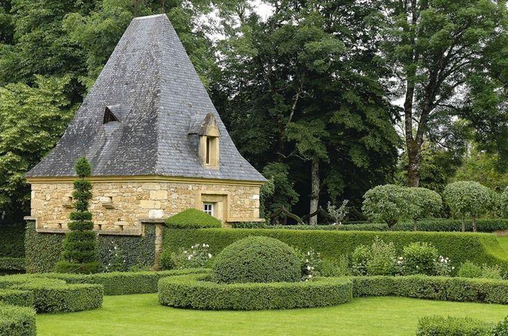 Formalne ogrody dworu Eyrignac