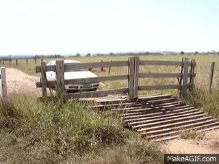 Clever Mechanical Gate Opens Automatically without Electricity - Neatorama