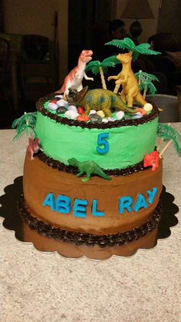 Dinosaur birthday cake for 5 year old boy