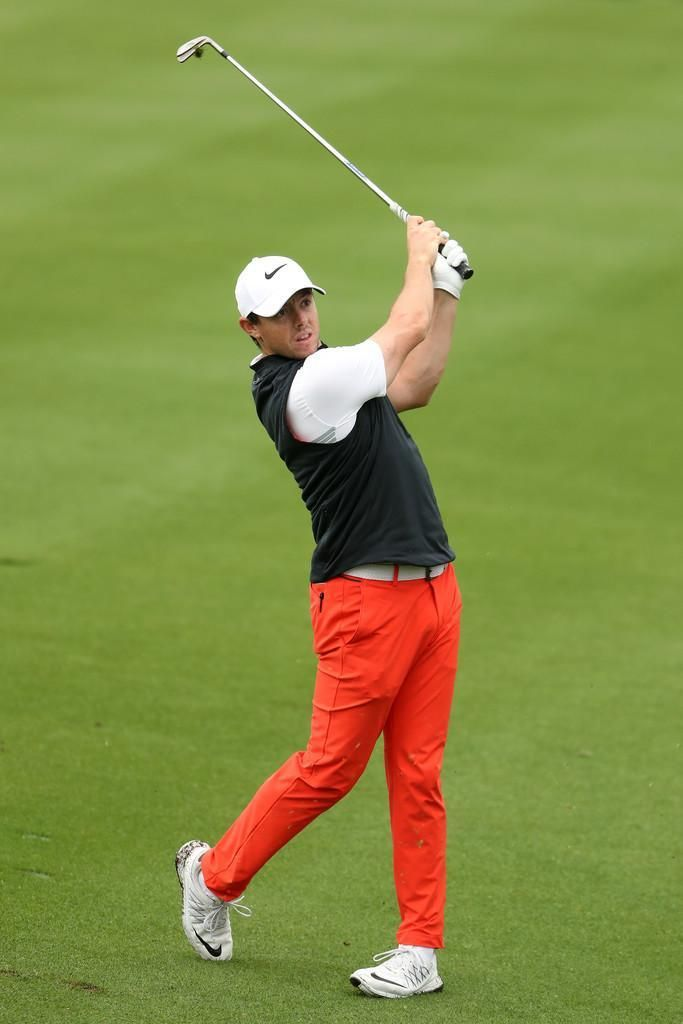 a3676cbbe31 Rory McIlroy wearing Nike Aerolayer Men s Golf Vest in Black