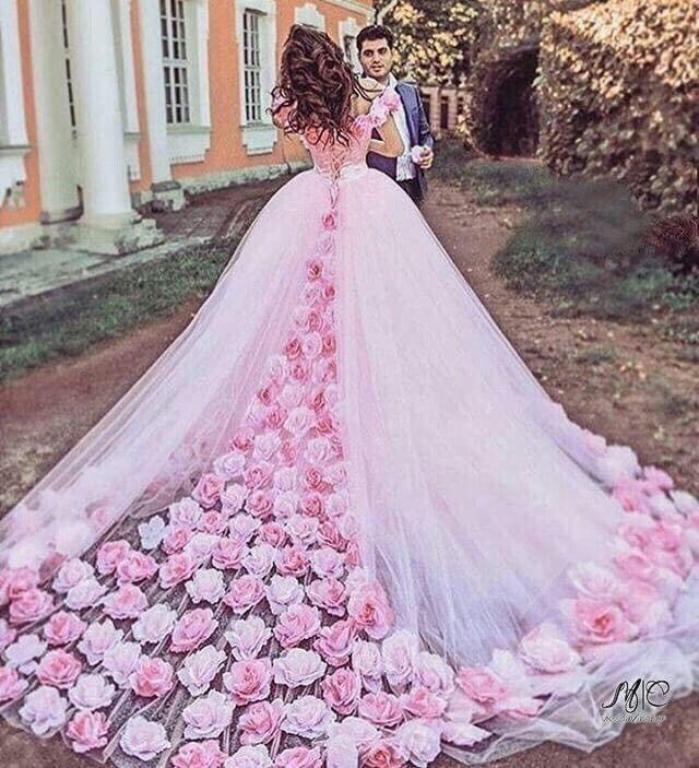 """Платья для невесты отвратительно. Черезчур сладко, это """"розовый гной"""""""